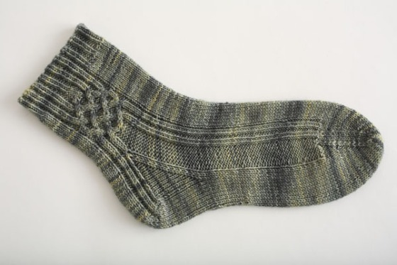 Cabled-Crossroads-Socks-1